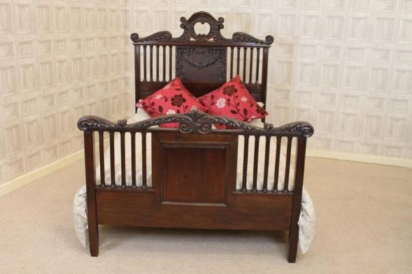 Hand Carved Mahogany Double Bed