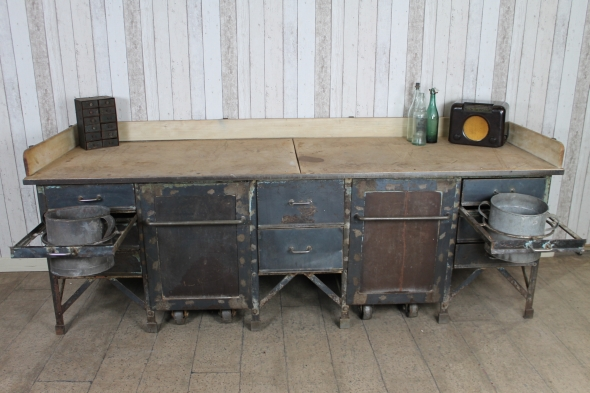 LARGE METAL WORKBENCH