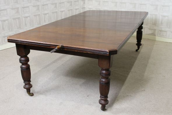 Victorian mahogany wind out table
