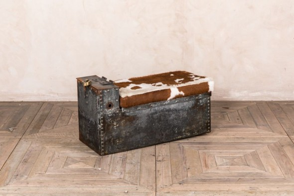 Industrial Shoe Storage Bench