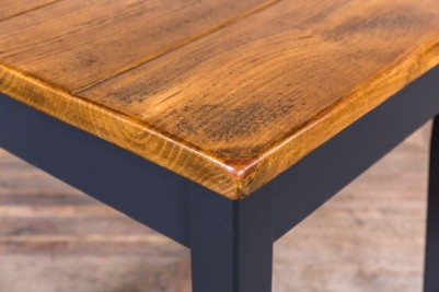 pine top restaurant table