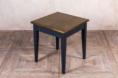 small tapered leg cafe table