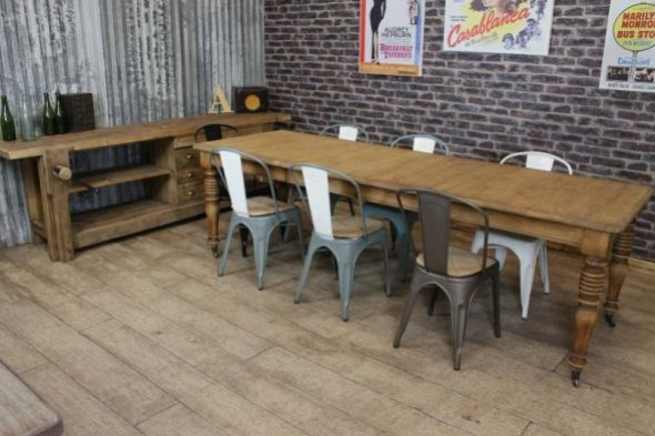 1.6m-2.62m Oak Extending Farmhouse Table