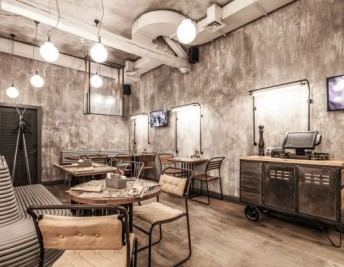 CUSTOMER FOCUS: STUNNING INDUSTRIAL STYLE RESTAURANT DECOR