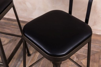 bar stools with padded seats