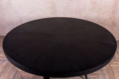 round black dining table