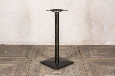 square bottom poseur table