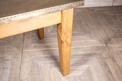tapered leg dining table
