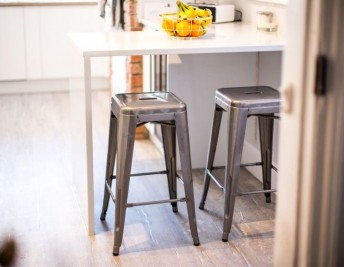 CUSTOMER FOCUS: STYLISH BREAKFAST BAR
