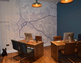 CUSTOMER FOCUS: ESTATE AGENCY OFFICE
