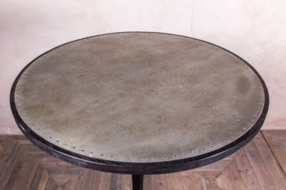 Tulip table with industrial look top