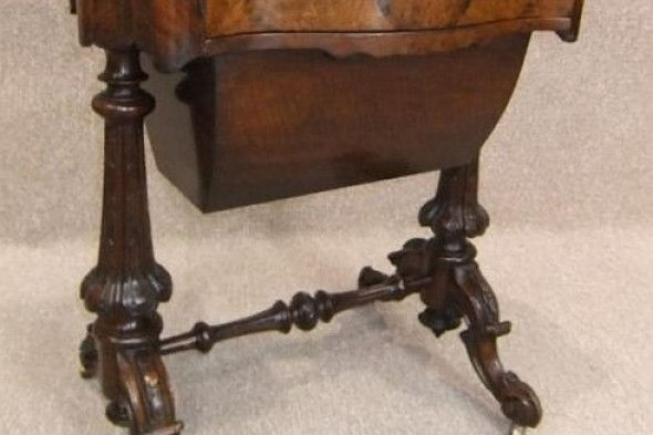 Victorian Burr Walnut Side Table