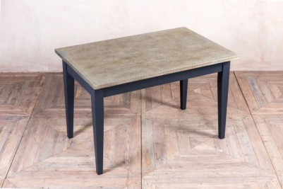 medium tapered leg dining table