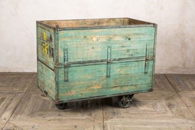 green wooden crate for bars and restaurants