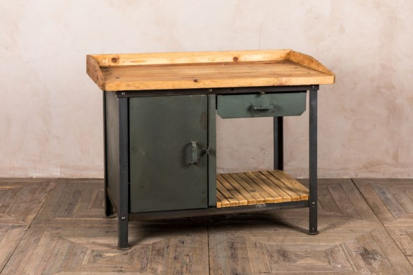 Industrial Grey Waiter Station
