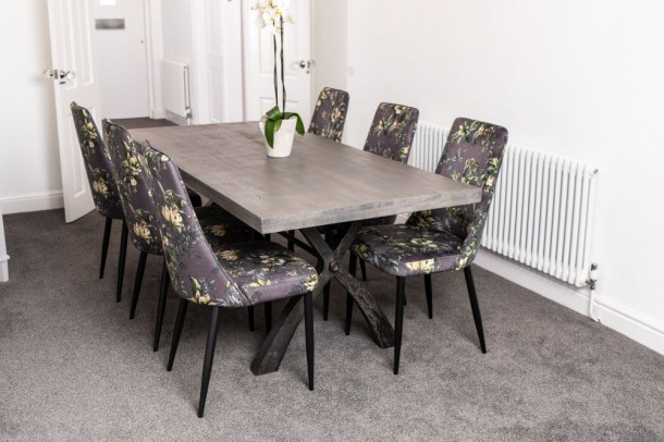 Detroit Y Base Dining Table