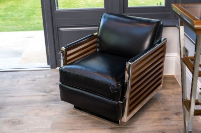 black-leather-victory-chair