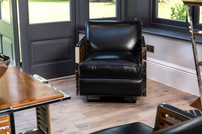 black-wooden-victory-chair