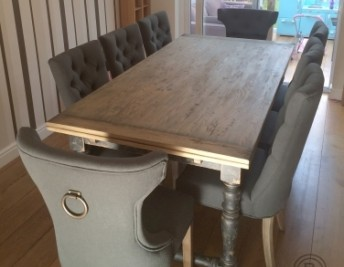 CUSTOMER FOCUS: RUSTIC OAK MEETS UPHOLSTERED CHIC