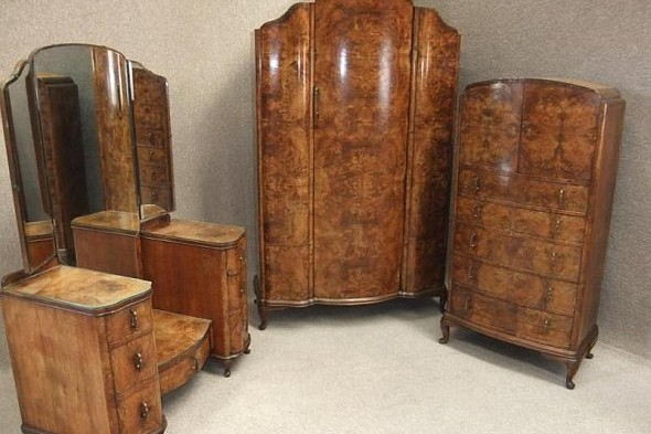 Burr Walnut Art Deco Bedroom Suite