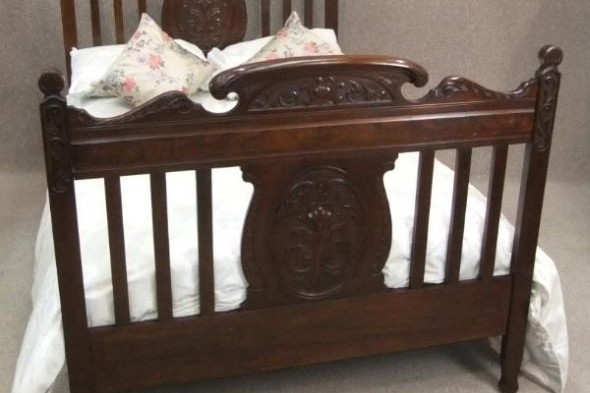 Victorian Double Bed in Red Walnut