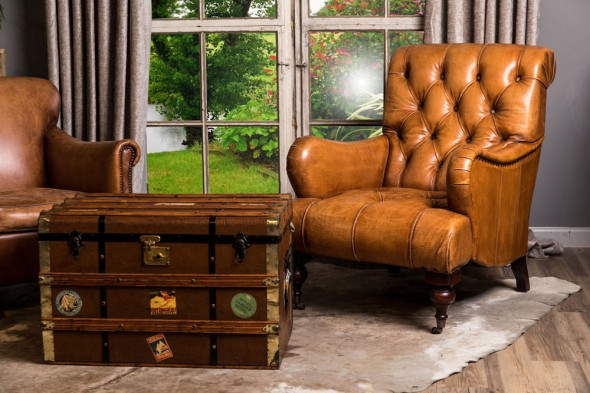 Westminster Buttoned Leather Armchair