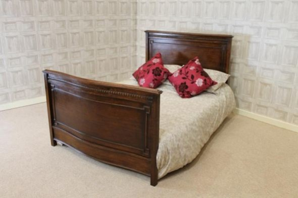 EDWARDIAN JACOBEAN STYLE OAK DOUBLE BED