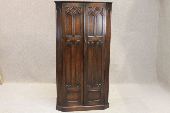 Edwardian Hall Robe in Oak
