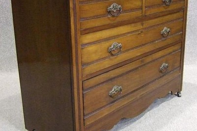 Antique Walnut Edwardian chest of drawers