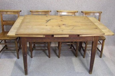 French pine extending table