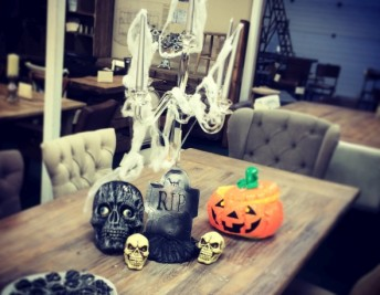 HALLOWEEN FREE DELIVERY AT PEPPERMILL ANTIQUES