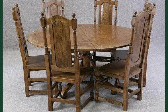 Handmade Oak Round Extending Table