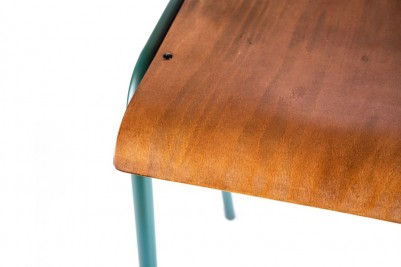 green luxor with wooden seat