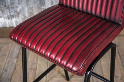 red ribbed stool