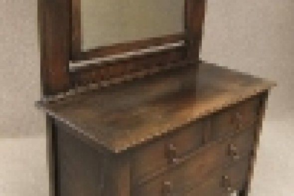 Oak Edwardian Chest of Drawers / Dressing Table