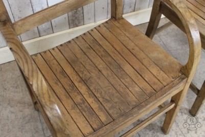 wooden chairs002.jpg