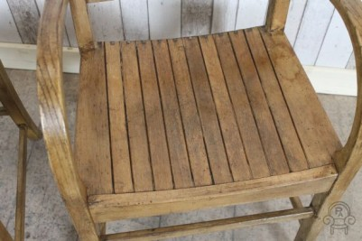wooden chairs003.jpg