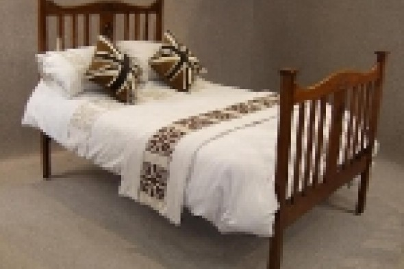 Solid Oak Arts & Crafts 4ft Bed