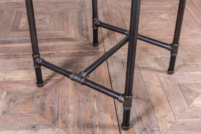 thin pipework table