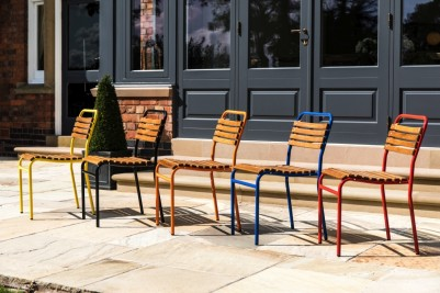 outdoor slatted stacking chairs