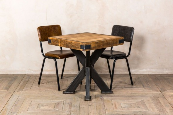 Sheffield Pedestal Dining Table (Dining)