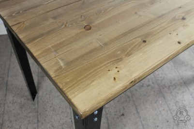 pine top cafe tables