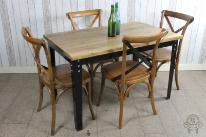 vintage style kitchen dining table