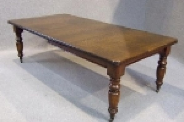 Victorian Extending Wind out Table