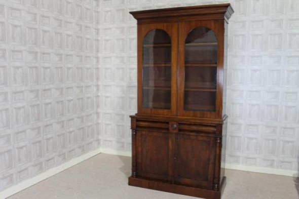 VICTORIAN MAHOGANY ARCHED TOP BOOKCASE