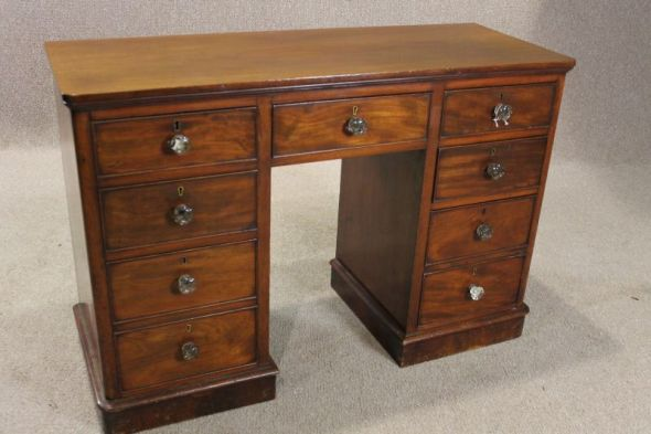Victorian Mahogany Knee Hole Desk Writing Desk