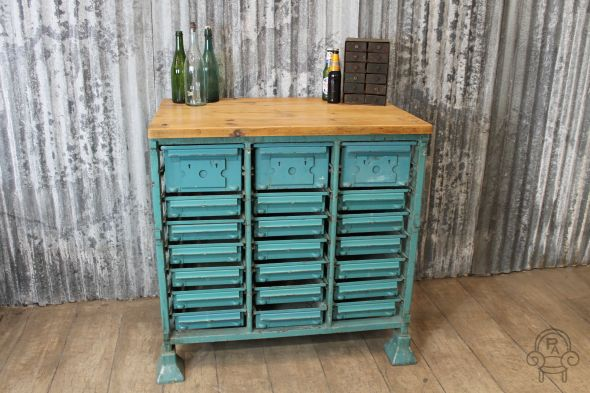 Shabby chic sideboard blue001