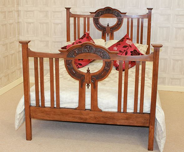 oak arts & crafts double bed