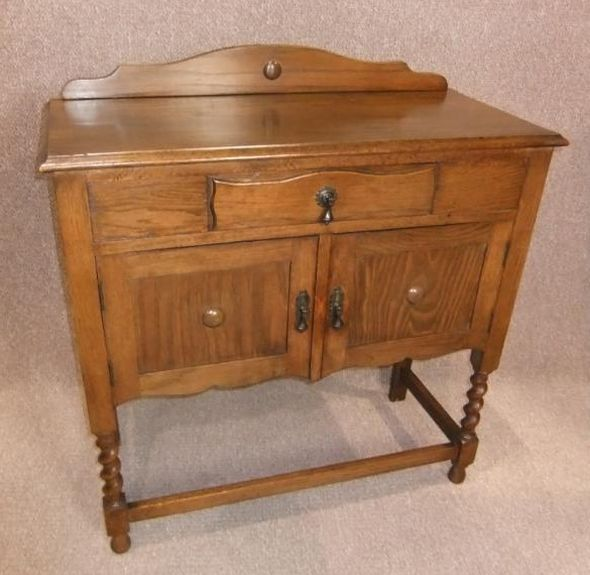 1920s Oak sideboard