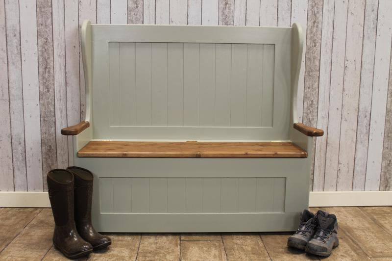 Finest PAINTED PINE SETTLE WITH ARMS HANDMADE TO ANY SIZE AND PAINTED KL94